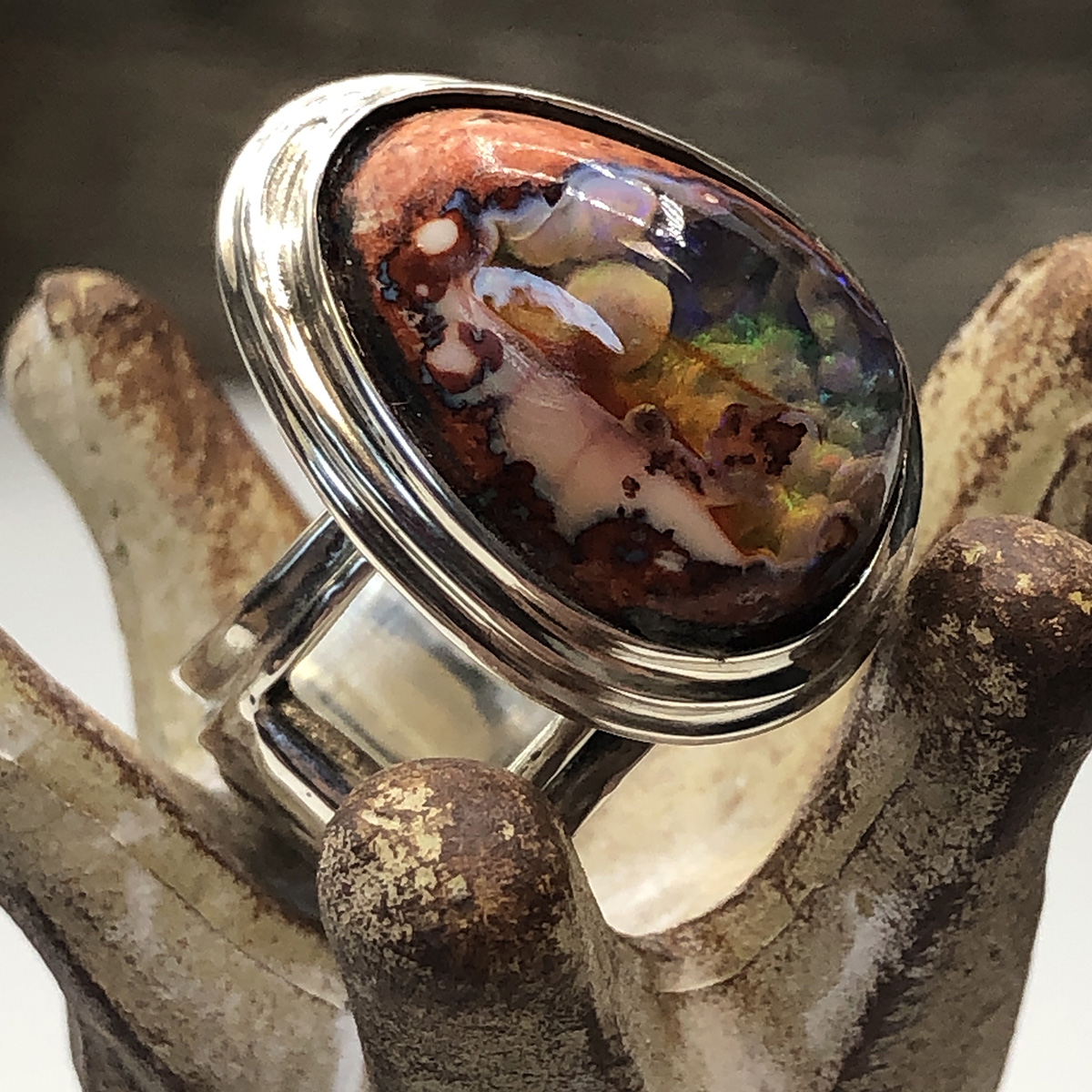 Side view of the Cantera Matrix Opal Ring